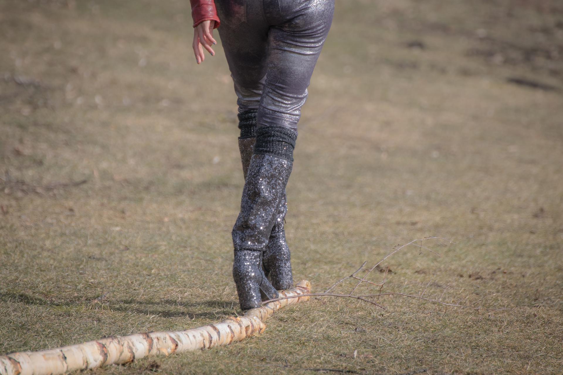 logging-boots