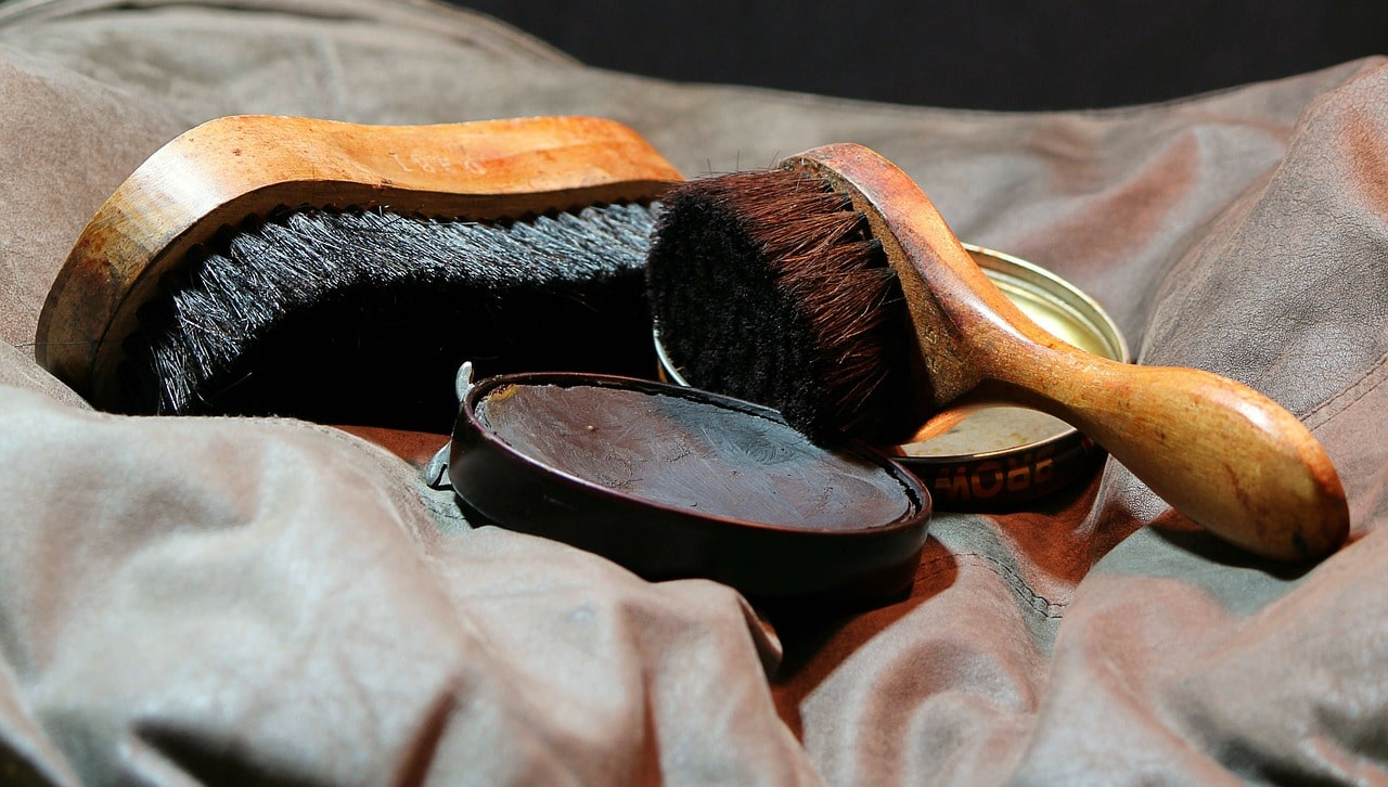 shoes-polisher-2
